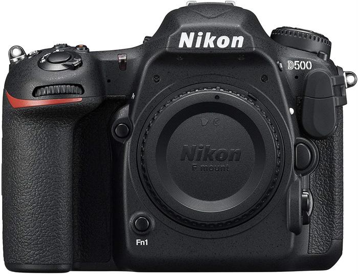 निकॉन डी500