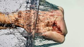 high-speed-water-splash-photography-fist-punch