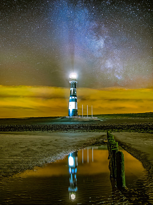 A night photography shot of the lighthouse in Breskens (The Netherland)