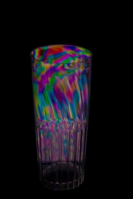 Rainbow cup effect from photoelasticity