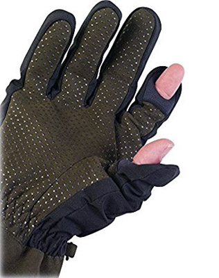 A great gift for photographers would be a pair of sensory gloves from Aquatech