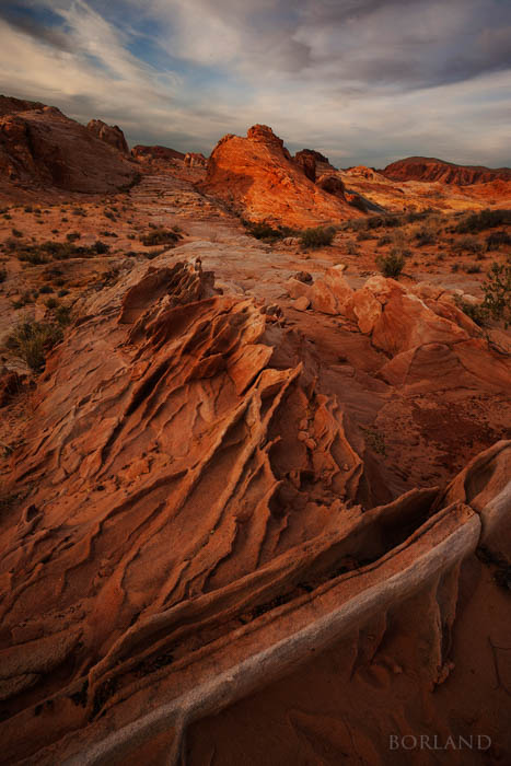 Using diagonal lines to emphasize desert photography in the Valley of Fire