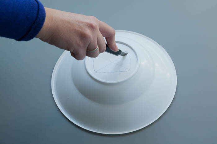 making a beauty dish out of plastic bowls