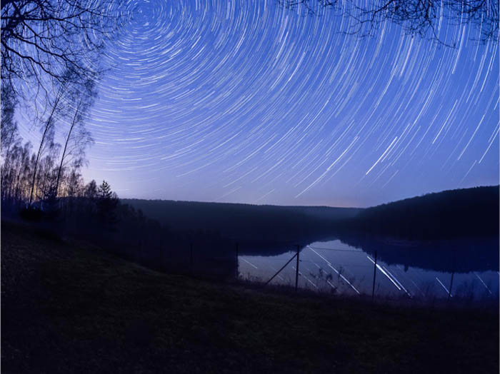 star trail photography showing how a boring foreground can ruin a picture