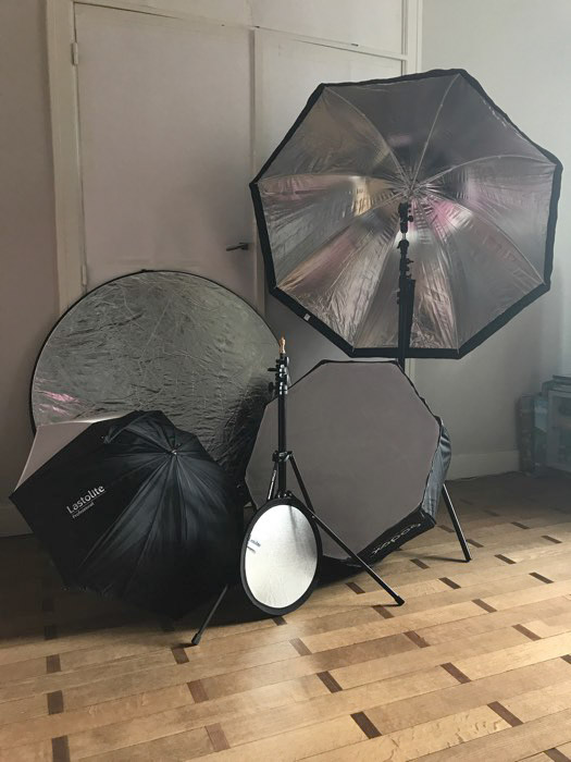 Using reflectors and flash equipment for your own home boudoir photography studio