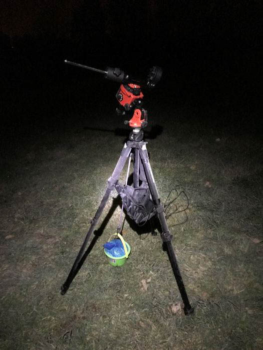 A DIY tripod stabilizer for astrophotography