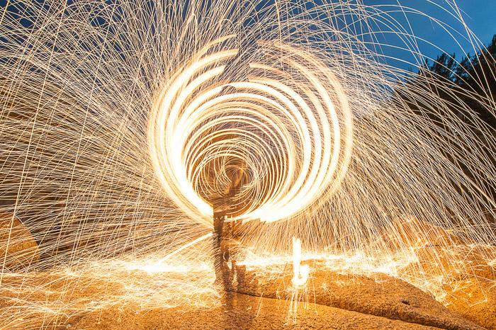 Impressionante fotografia abstrata de fotografias de lã de aço em ação