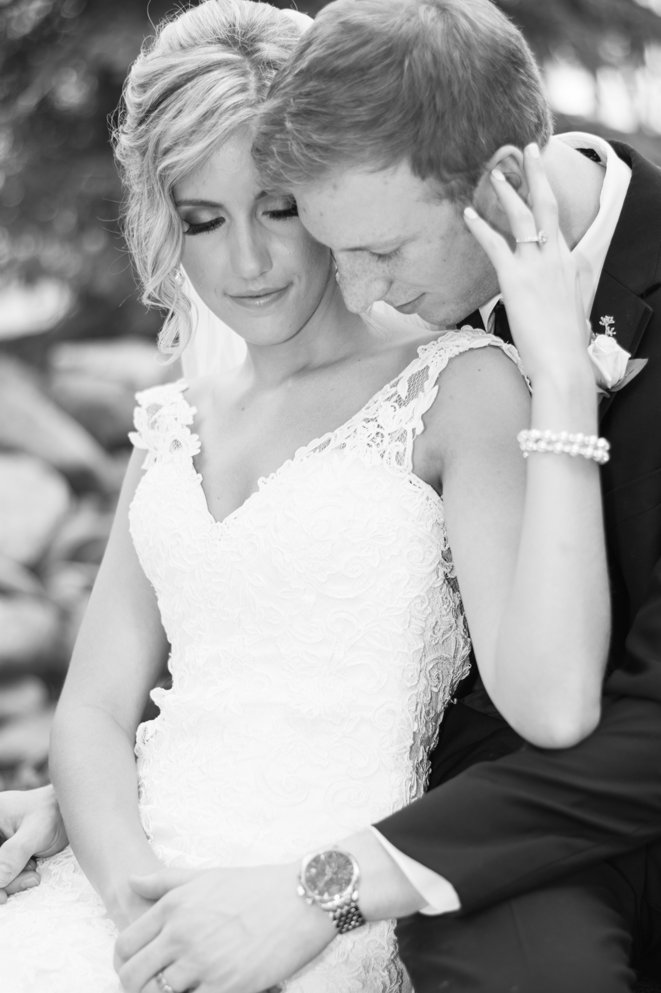 Have the bride and groom focus on themselves for great wedding poses