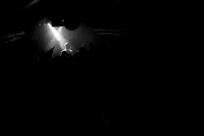 Um concerto com pouca luz