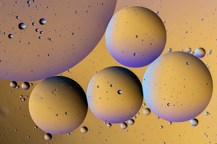 Abstract oil and water photography by Larry Cunningham