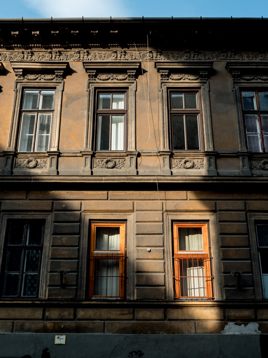 Street photography of the exterior of a building in Budapest, taken with a Panasonic gh5 by Craig Hull
