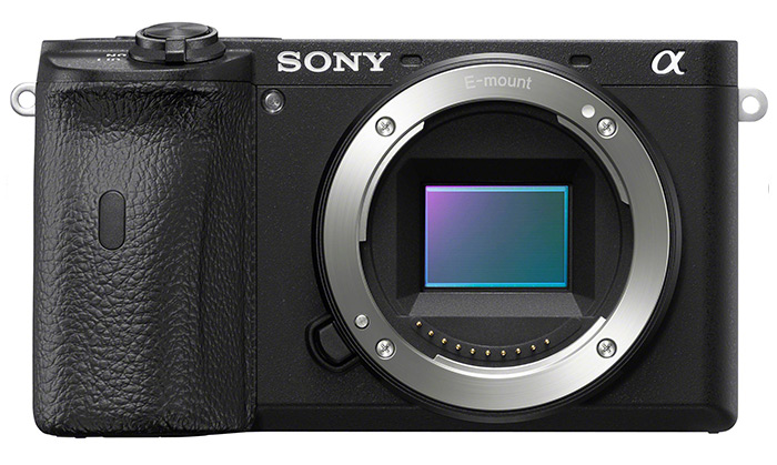 Sony A6600 mirrorless camera for street photography