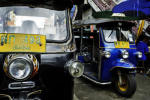 12 Unusual and Interesting Composition Ideas Tuktuk by Kevin Landwer-Johan