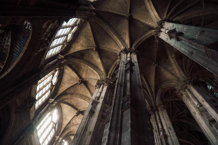 A photo of the interior of an awe-inspiring church