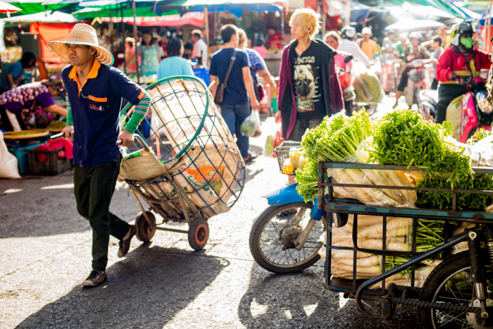 What's the Best Time to Take Photos Outside? Natural Light Photography Fresh Market © Kevin Landwer-Johan