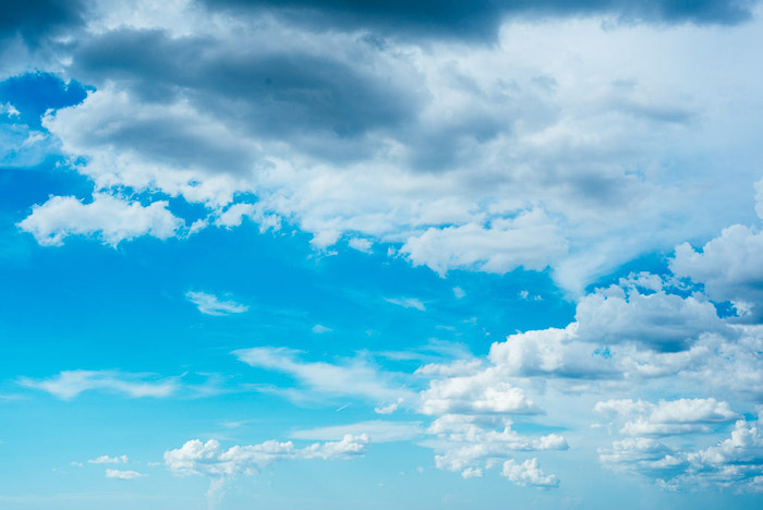Beautiful cloud photography against bright blue skies