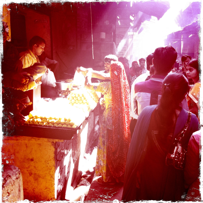 Atmospheric street photography of a crowded market in India taken using the hipstamatic app.