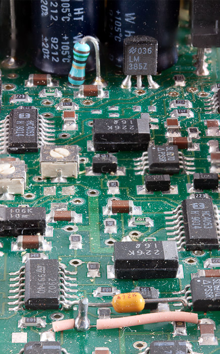 A sharp macro photography shot of a circuit board, after using focus stacking on Photoshop