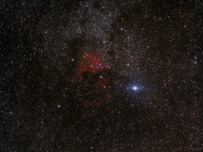 The star field around Deneb, with the North America and the Pelican Nebulae.