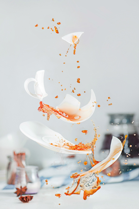 An exploding coffee cup - how to photograph glass