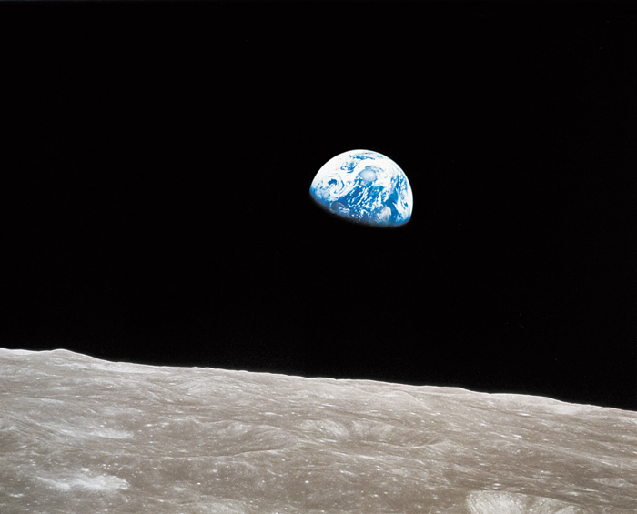 Earthrise - William Anders / NASA