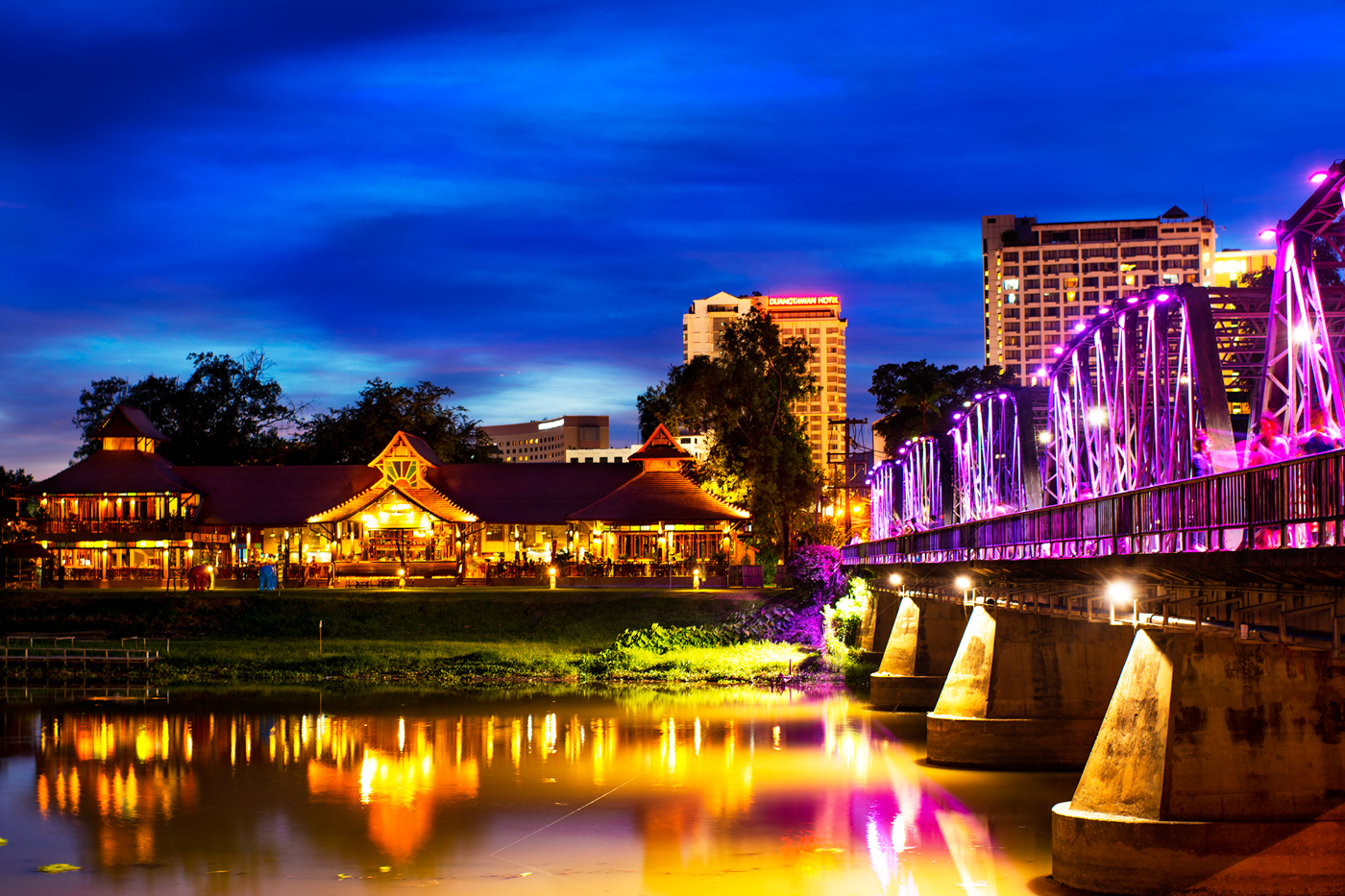 Night in Chiang Mai 10 Photoshoot Ideas That Aren't Boring