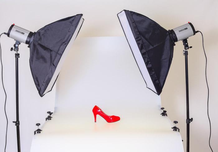 Una configuración de iluminación de sesión de fotografía de producto