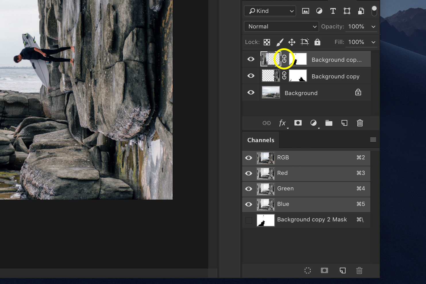 A screenshot showing how to Do a Bend and Warp Trick in Photoshop - unlinking layers