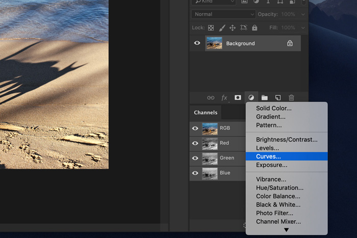 A screenshot of how to use curves to add light leaks to a photo in Photoshop