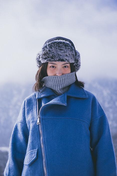 A female model posing for a winter portrait