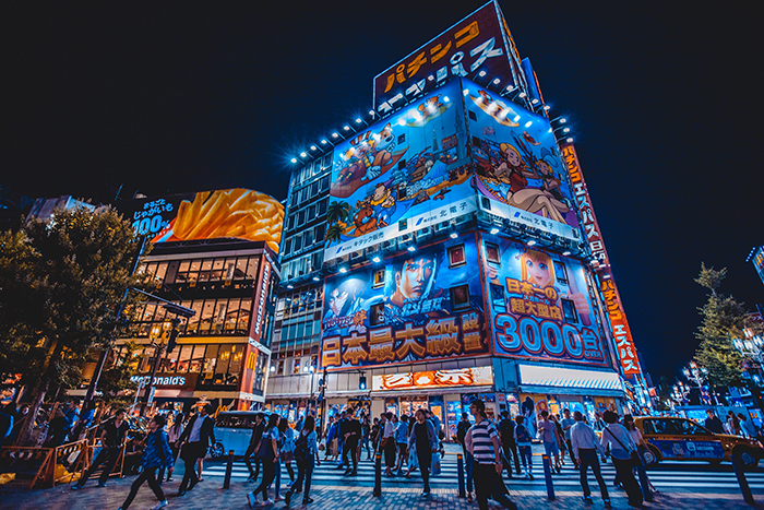 Neon lights of building in Shinjuku at night, cool pictures of Japan