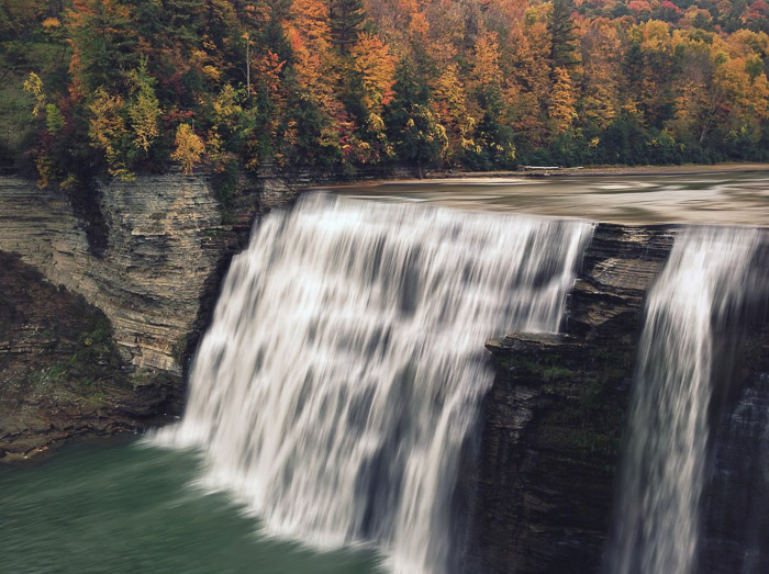 How to add waterfall effect in Photoshop -