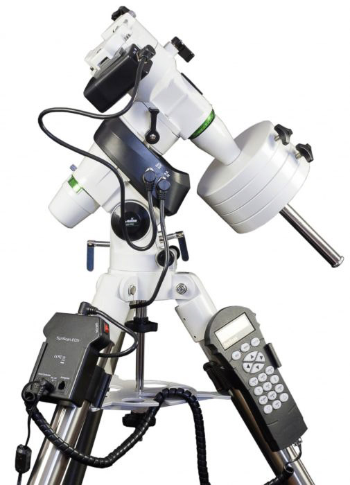 Skywatcher EQ5 PRO GOTO equatorial mount.
