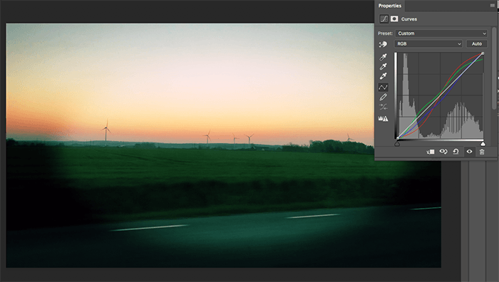 A screenshot showing how to re-create the Lomography Effect in Photoshop