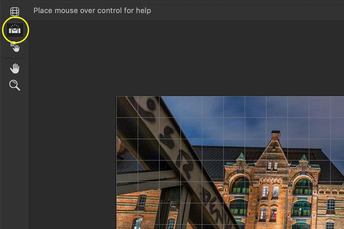 Captura de pantalla ilustrativa de la herramienta de enderezamiento de Photoshop