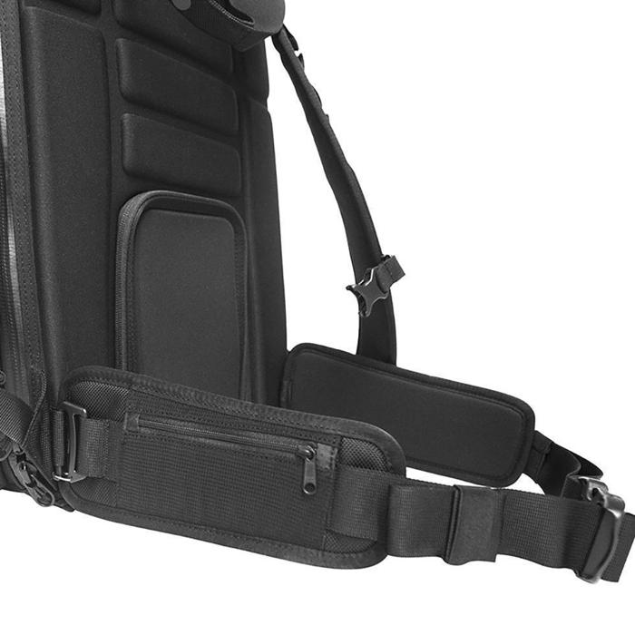 The WANDRD Hexad Access Duffel Bag waist straps