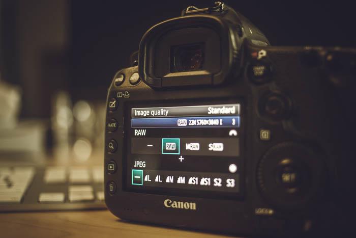 Choosing raw settings on a DSLR camera