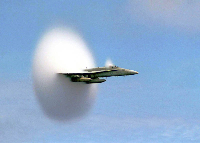 Photo of a fighter jet crossing the sound speed
