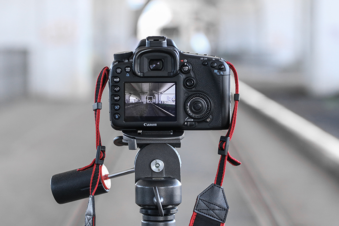Photo of a camera on a tripod