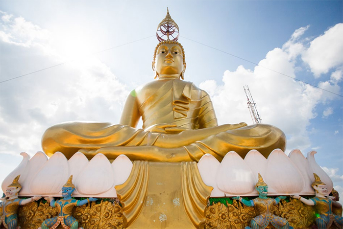 Photo of a large golden Buddha statue from Incredibly Important Composition Skills