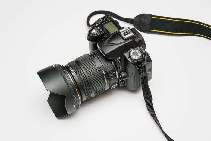 Nikon DSLR camera with hot shoe