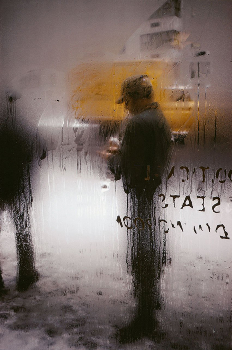 Colour photography by Saul Leiter. Snow, 1960