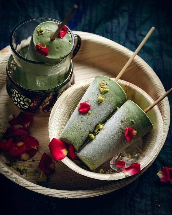 Pistachio ice cream lollys and ingredients