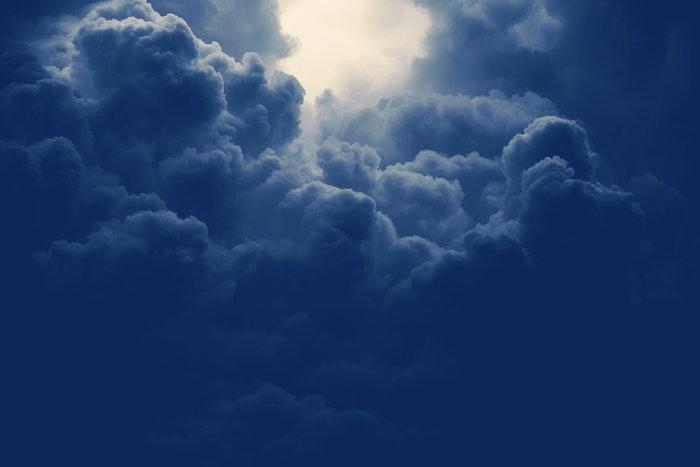 foto de nuvens de tempestade tiradas com um filtro ND