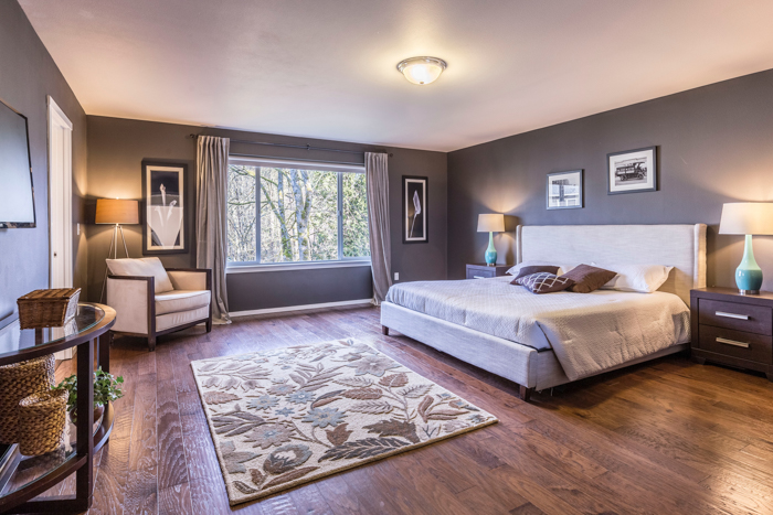 real estate photography picture of a bedroom