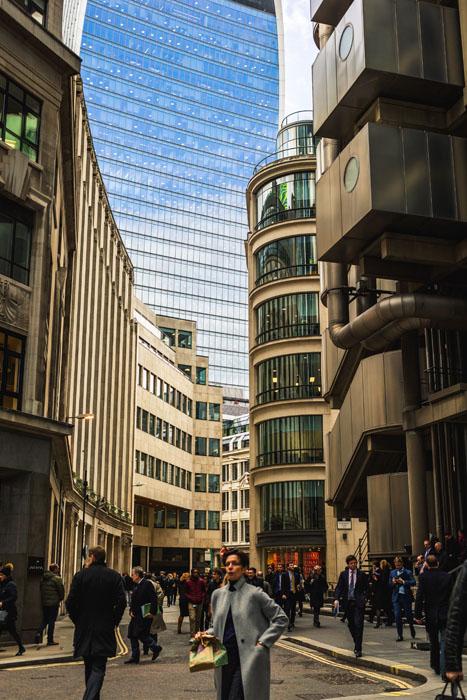 Filmagem de cena de rua com Canon EF 50mm f 1.8