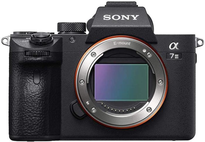 Uma câmera Sony A7II