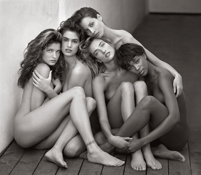 An image of 5 naked woman