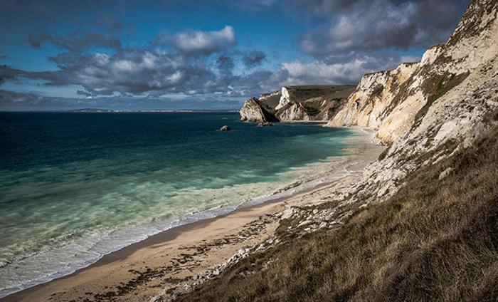 Imagem de Chalk Cliffs editada por predefinições do Shutter Pulse Lightroom