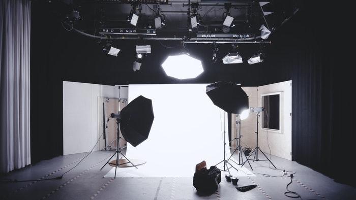 A photography studio lighting setup